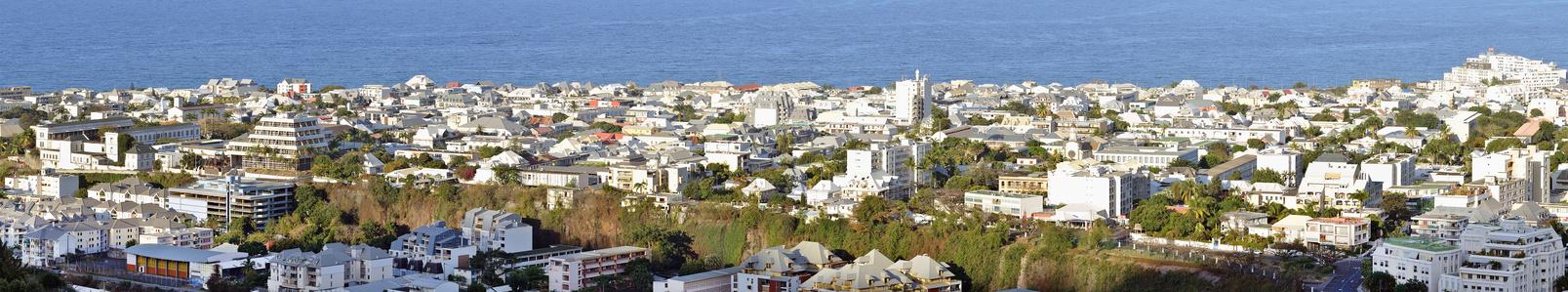 Avec ses 130.000 habitants, Saint-Denis-de-La-Réunion est la plus grosse métropole de l'Outre Mer français