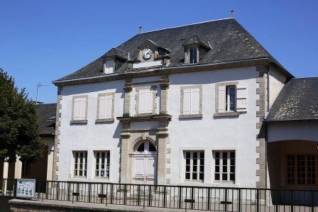 Ecole de Naves - Wikimedia - Pymouss