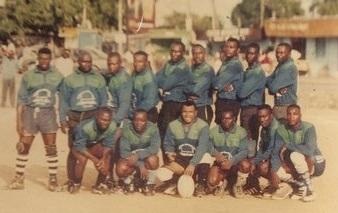 """Les """"Buffalos"""" de Douala, avec Louis, 2ème à droite debout"""