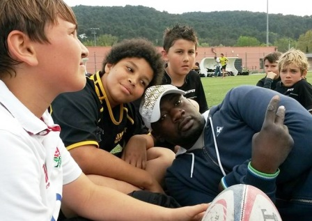 louis moaka avec école de rugby