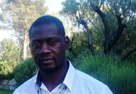 Louis Moaka / Pilier à l'Aix Université Club Rugby