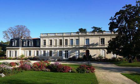 Hotel de Ville de Mérignac - Wikipedia Mspecht