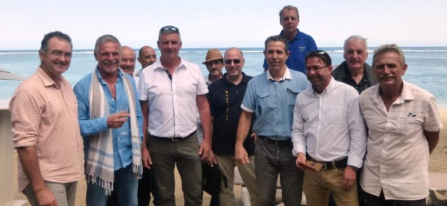 Jean-Michel (2ème en partant de la gauche) au milieu de fidèles dirigeants et partenaires du club.