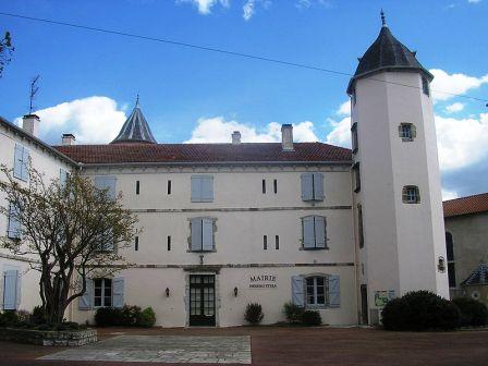 chateau de Salha Bardos - Wikipedia Urruty 64 - Peio Dibon CCBY-SA 3.0