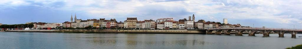 Wikipedia-Quais de Mâcon-CC BY SA 4.0