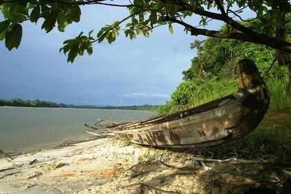 Fotolia_1188843_XS Pirogue fleuve Maroni Guyane