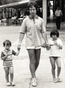 15. Avec mes deux filles chéries, Géraldine et Katya.