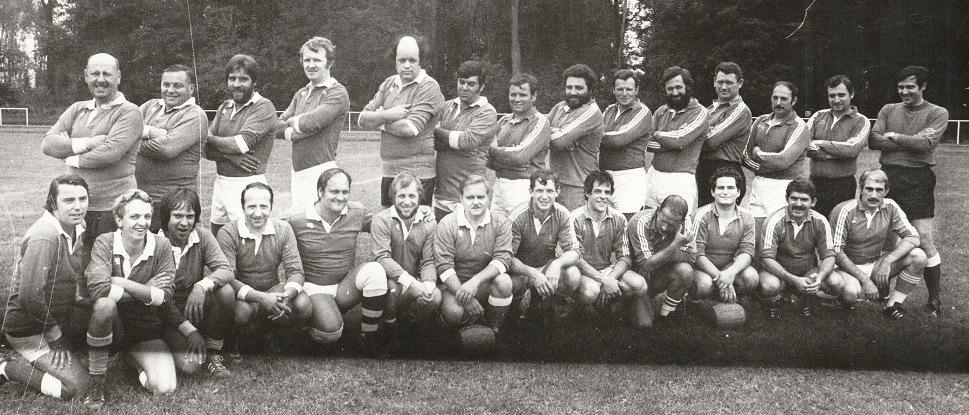 25. Le XV du LUC (Lille Université Club). Accroupis, Richard est le 3ème en partant de la gauche.