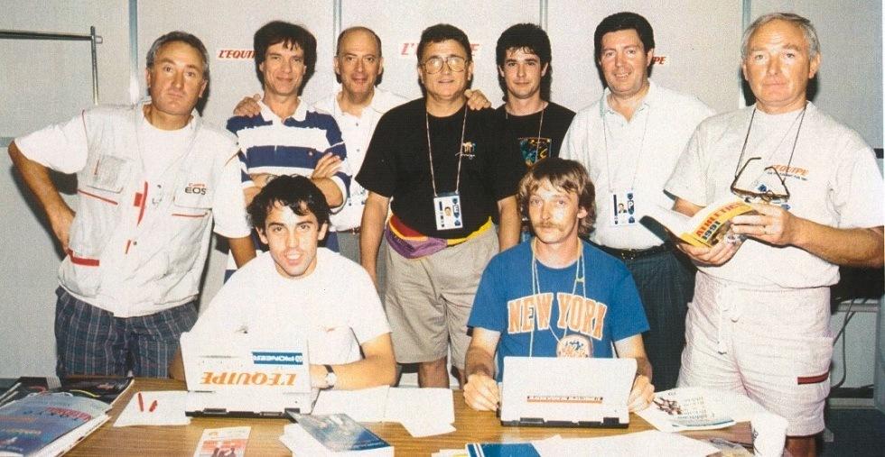 9. L'Equipe aux J.O. de Barcelone avec Robert Parienté, brillant directeur des rédactions, qui tient par l'épaule Michel Jazy et Richard.
