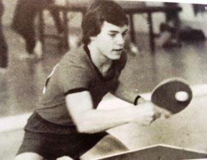 19 - Serge au Ping Pong en pleine action
