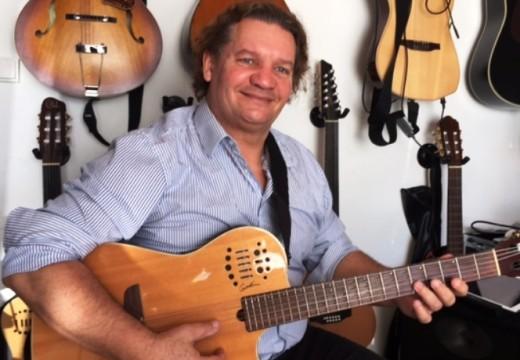 Gilles Guillou / Guitariste compositeur en Pays d'Aix-en-Provence